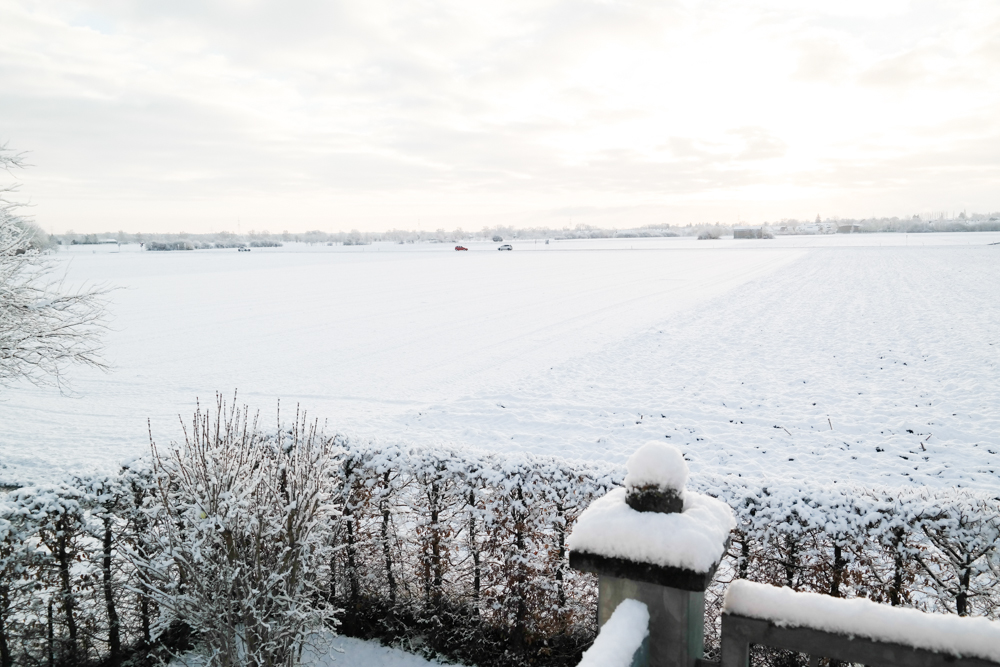therubinrose-blog-münchen-beauty-diy-Handschuhe-verzieren-Perlen-Nieten-selber machen-einfach-selbst machen-selbst basteln-basteln-winter