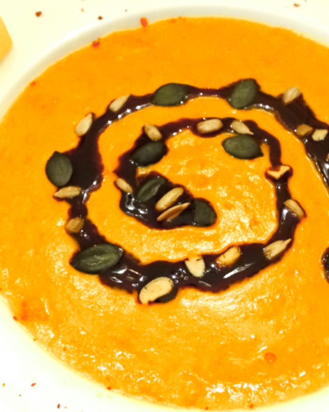 Scharfe Kürbissuppe mit Kokosmilch