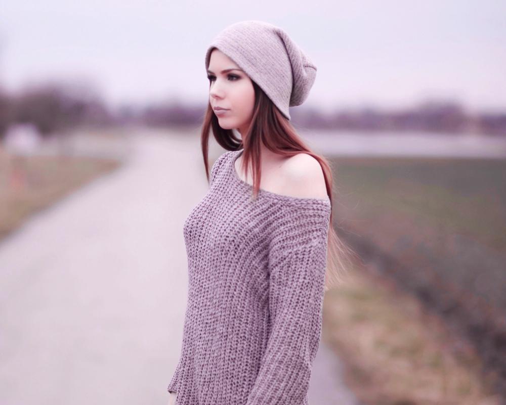 TheRubinRose-München Modeblog-Oversized-übergroßer-Pullover-Sweater-taupe-braun-Winter-Mantel-Jacke-gefüttert-Buffalo-Boots-Stiefel-Nieten