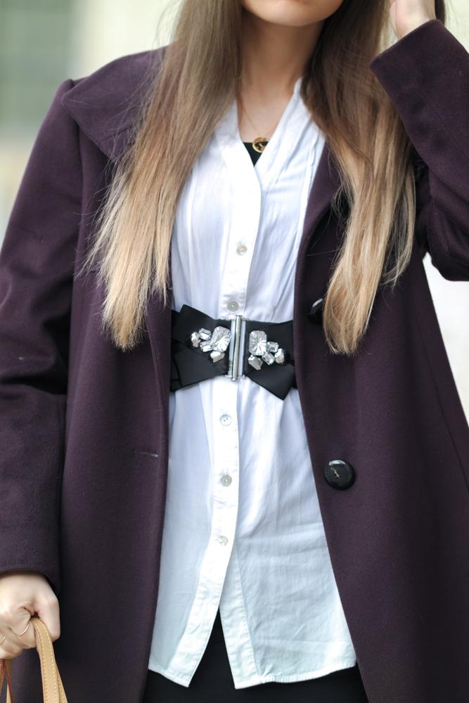 TheRubinRose-Modeblog-Fashionblog-München-Deutschland-Modeblogger-Fashionblogger-Oversized-Pflaume-Mantel-lila-Chanel-Lippenstift-Overknee-Stiefel