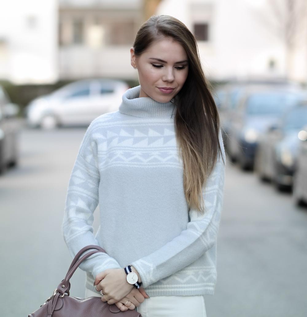TheRubinRose-Kuschelpullover-Modeblog München-Fashionblog München-Fashionblog-Modeblog-Deutschland-Norweger Muster-Style-Print-Design-Versace Tasche-Buffalo Boots-Daniel Wellington
