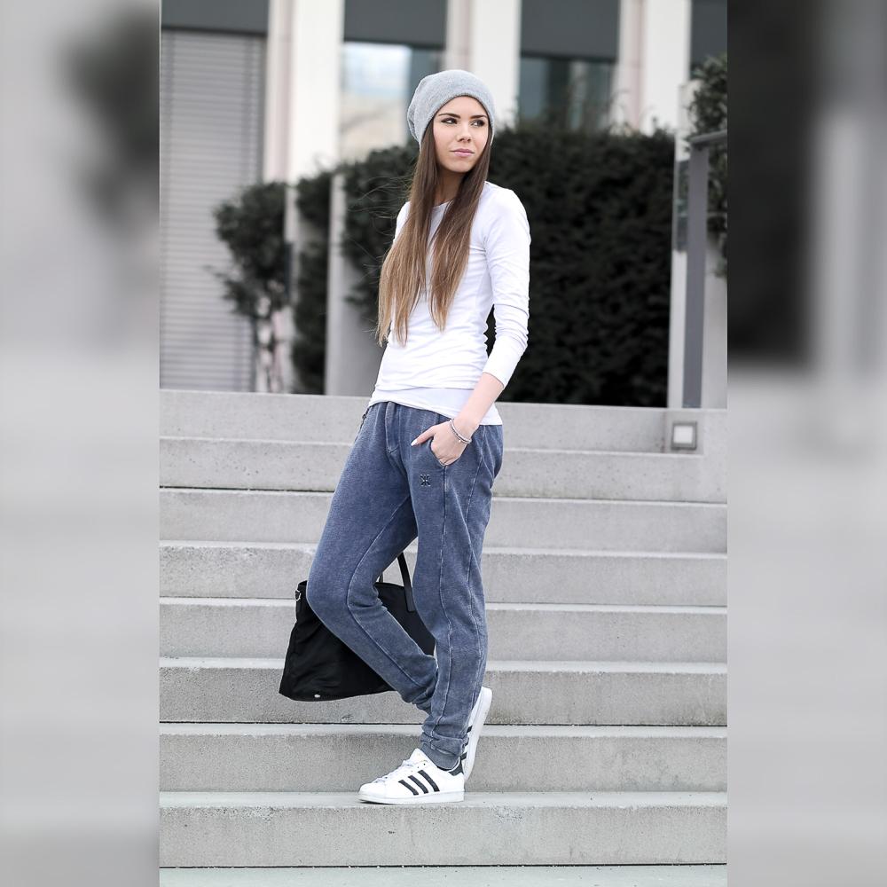 TheRubinRose-Blog-München-Munich-Modeblog-Fashionblog-Blogger-App-Apps-Fotobearbeitungs-Apps-Bildbearbeitungsapps-Apps-Fotografie-Bearbeitung-Selfie-Gesicht-weichzeichnen-retuschieren-verändern-zuschneiden-ändern-aufhellen-entsättigen-Helligkeit-Squaready