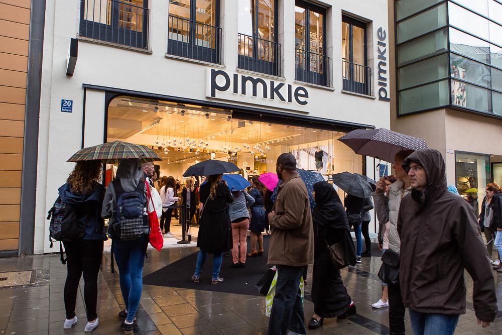TheRubinRose-The Rubin Rose-Pimkie Event-MynewPimkie-Relaunch-Modeblog München-Fashionblog München-Fashion Blog Munich-Modeblogger-Fashionblogger-Pimkie-Relaunch-Home-Interior-Sport-Lingerie-Mode-Fashion-Outfit-Event-Veranstaltung-Flash Tattoo-Flash Tattoos-Glitzer-Vip Lounge-VIP-bekannte Fashionblogger-Kunden-Tattowierer-Blogger Business