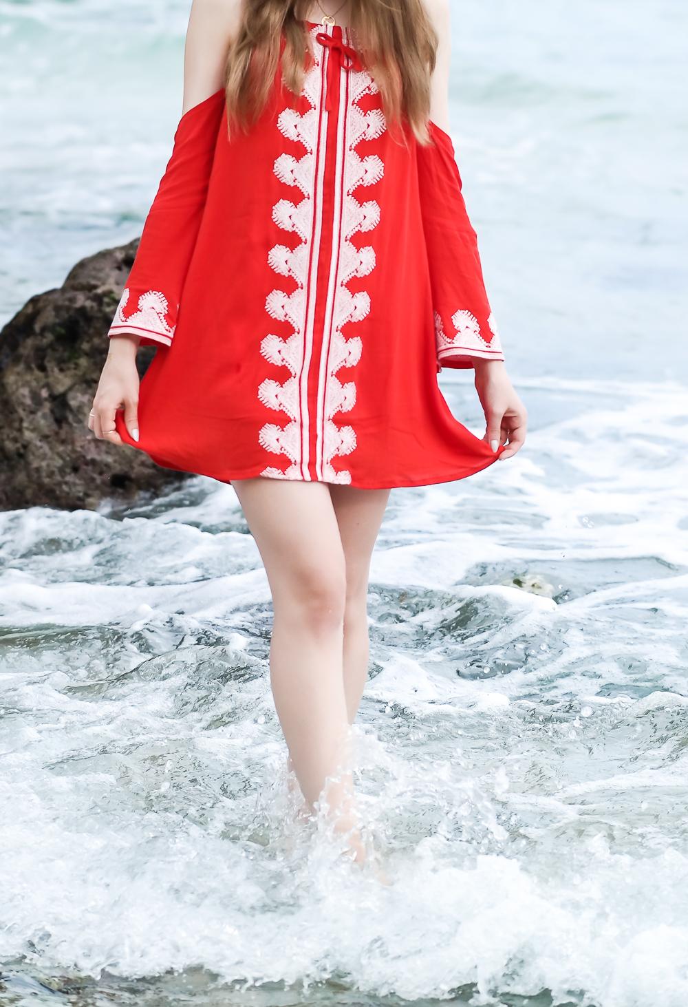 TheRubinRose-The Rubin Rose-Modeblog-München-Fashionblog-Munich-Modeblogger-Fashionblogger-Germany-Deutschland-Red Dress-Rotes Kleid-Asien-Asia Style-Cut-Outs-Glockenärmel-Flash Tattoos-Padang Padang-Beach-Strand-Bali-Uluwatu