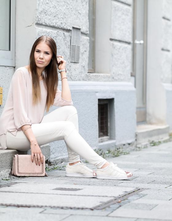 Rosegold Trend trifft auf mädchenhaften Look