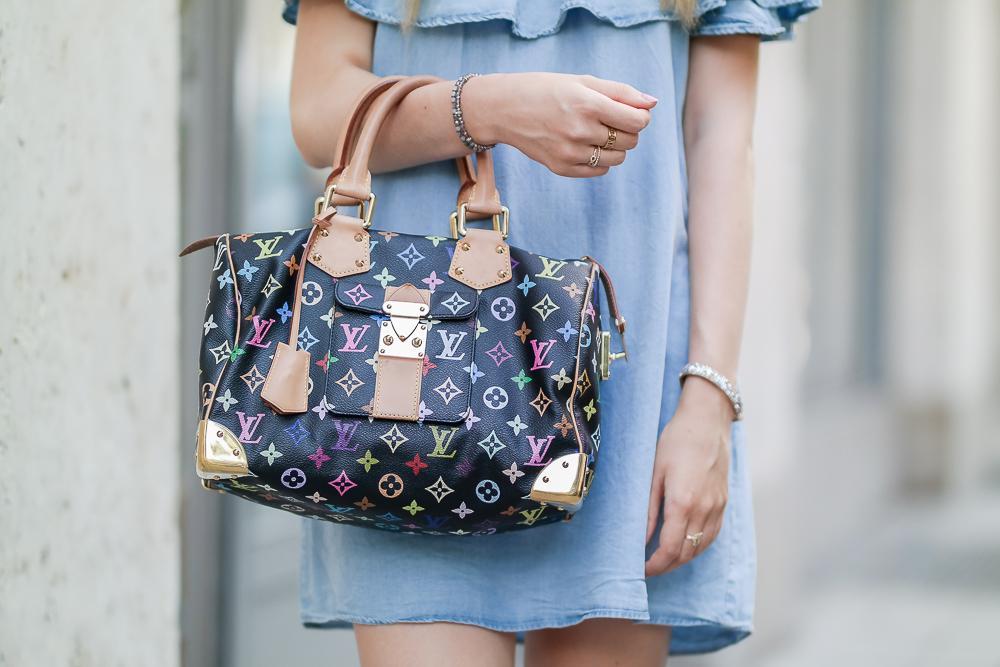 Louis Vuitton Handasche mit Kleid