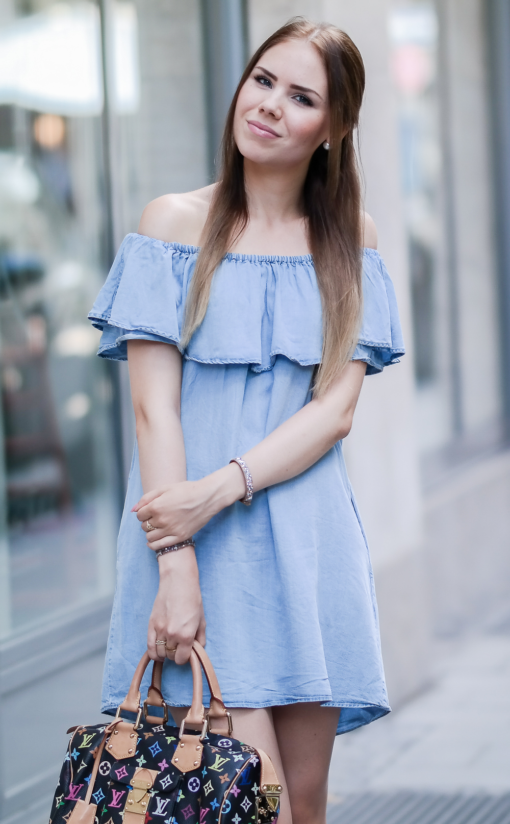 Zara Kleid Off Shoulder Trend