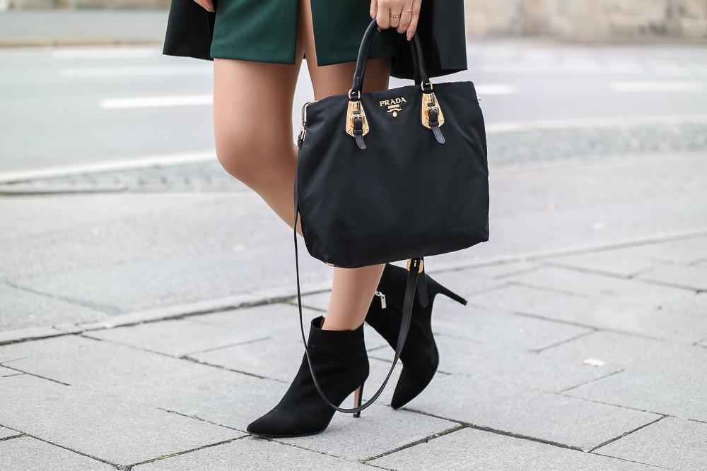 schwarze Stiefelletten Sacha Shoes - Prada Tasche