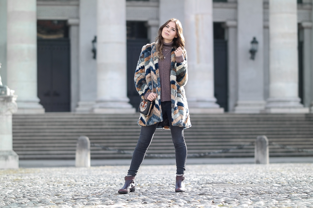 EMU Australia Chelsea Boots Fake Fur Jacke brauner Pullover