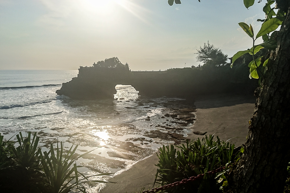 tanah-lot-sunset-tempel