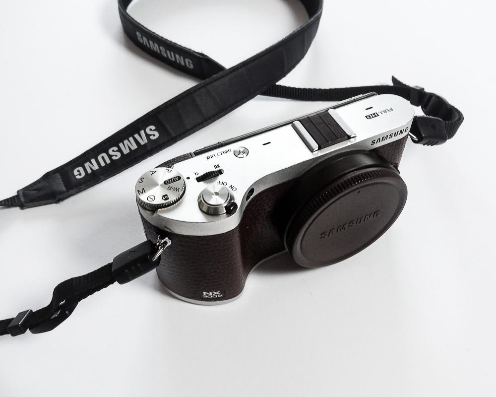 kompakte-systemkamera-samsung-nx300m