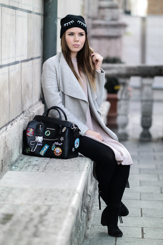 Kaschmir-Pulli-grauer-Zara-Mantel-Patches-Tasche-Leggings-Modeblog-München