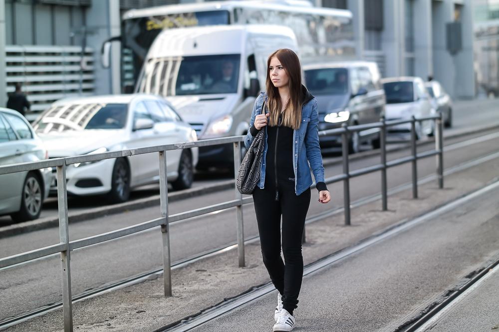 Onepiece-Jumpsuit-Slim-Schlank-Schmal-Schwarz-Alltag-Streetstyle-Modebloggerin-München
