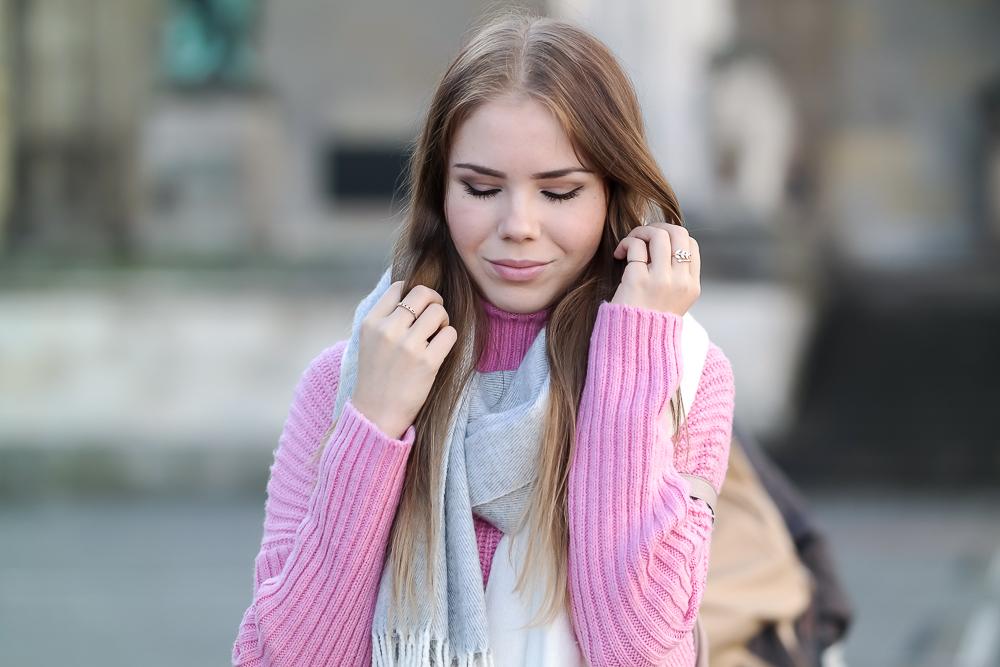 Pinker-Pullover-Strickpullover-HM-Modeblog-München-Fashion-Blog-oversize-Schal-Portrait