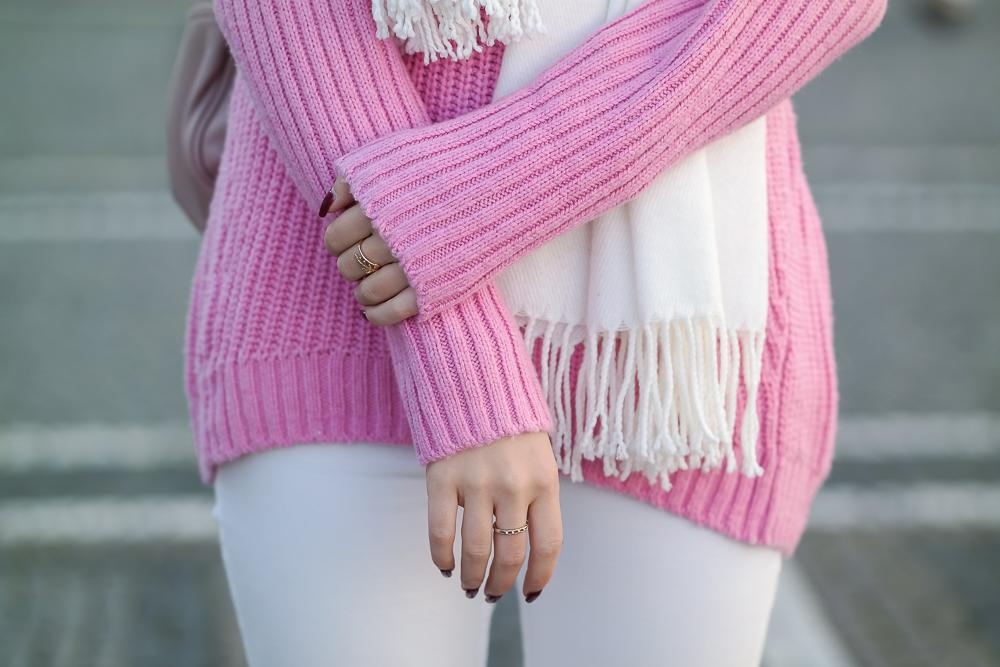 Pinker-Pullover-Strickpullover-HM-weiße-Jeans-Monki-Modeblog-München-Fashion-Blog-Detailbild