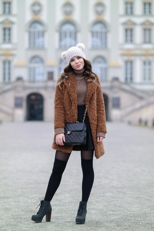 Teddy-Jacke-braun-Asos-Bommelmütze-Mütze-zwei-Bommel-Chanel-Bag-Rock-Pullover-Figura-schwarz-25-den
