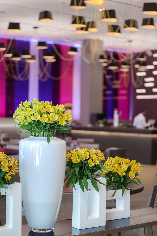 Restaurant-Deko-Dekoration-Blumen