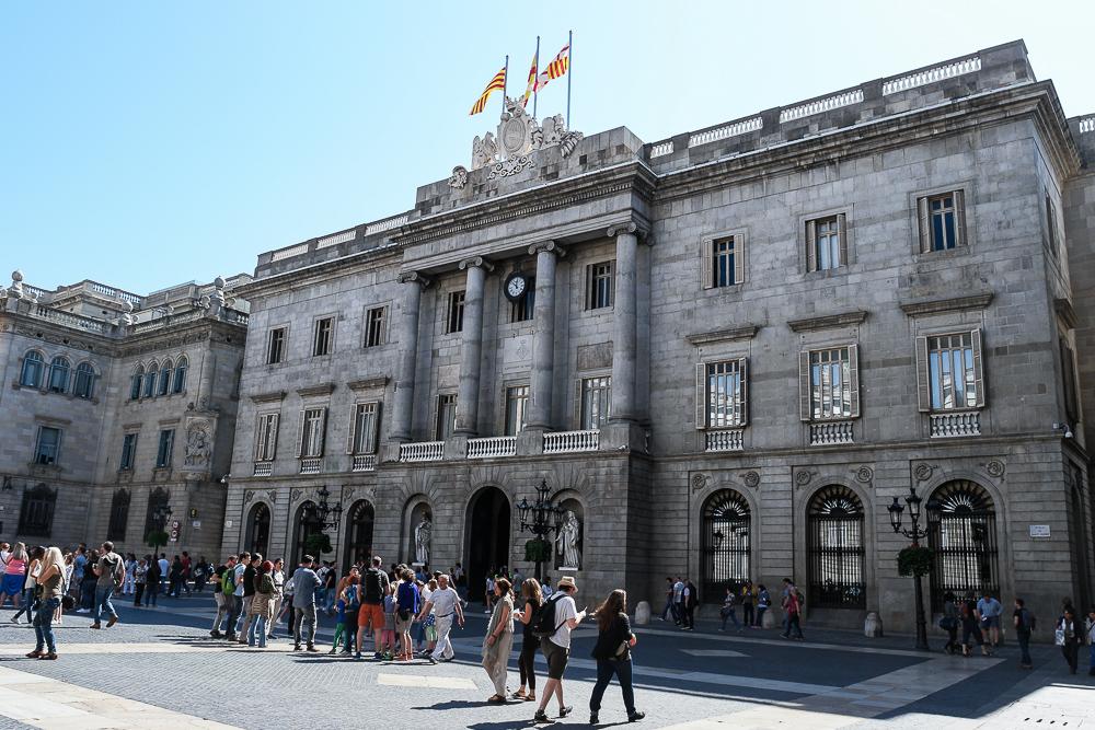 Barcelona-Rathaus-Rathausgebäude-Casa-de-la-Ciutat-Placa-de-Sant-Jaume