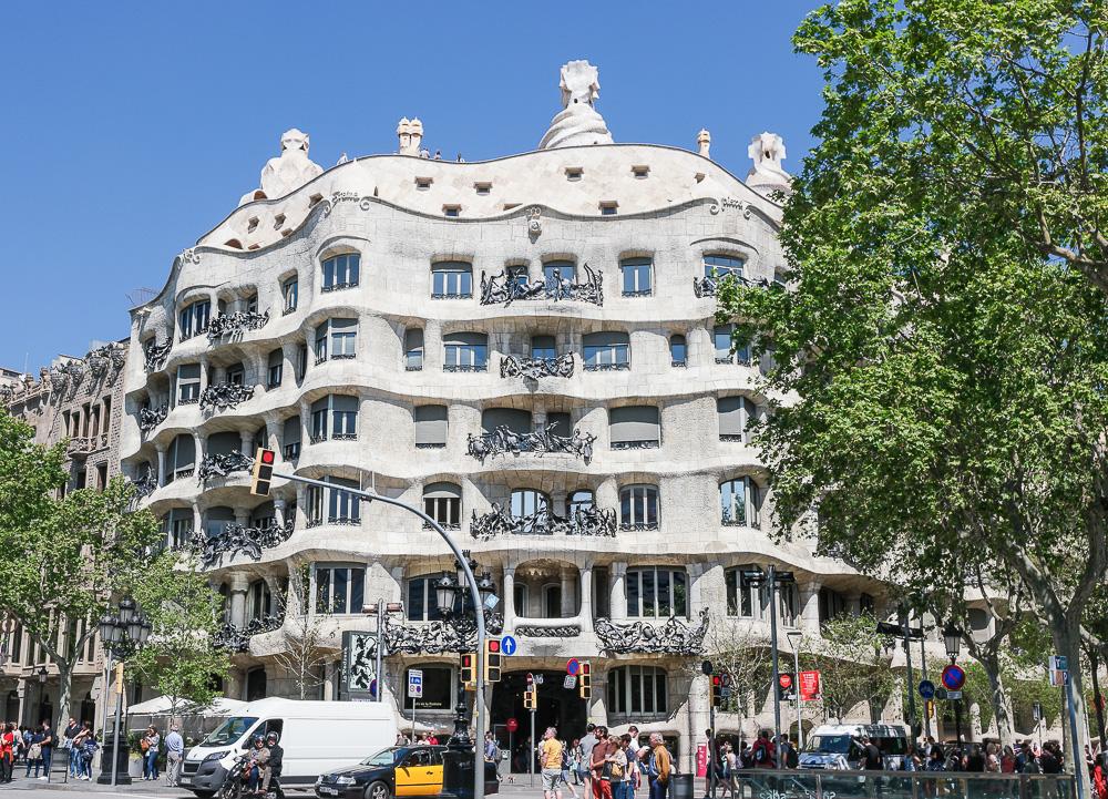 Casa-Milà-Antoni-Gaudi