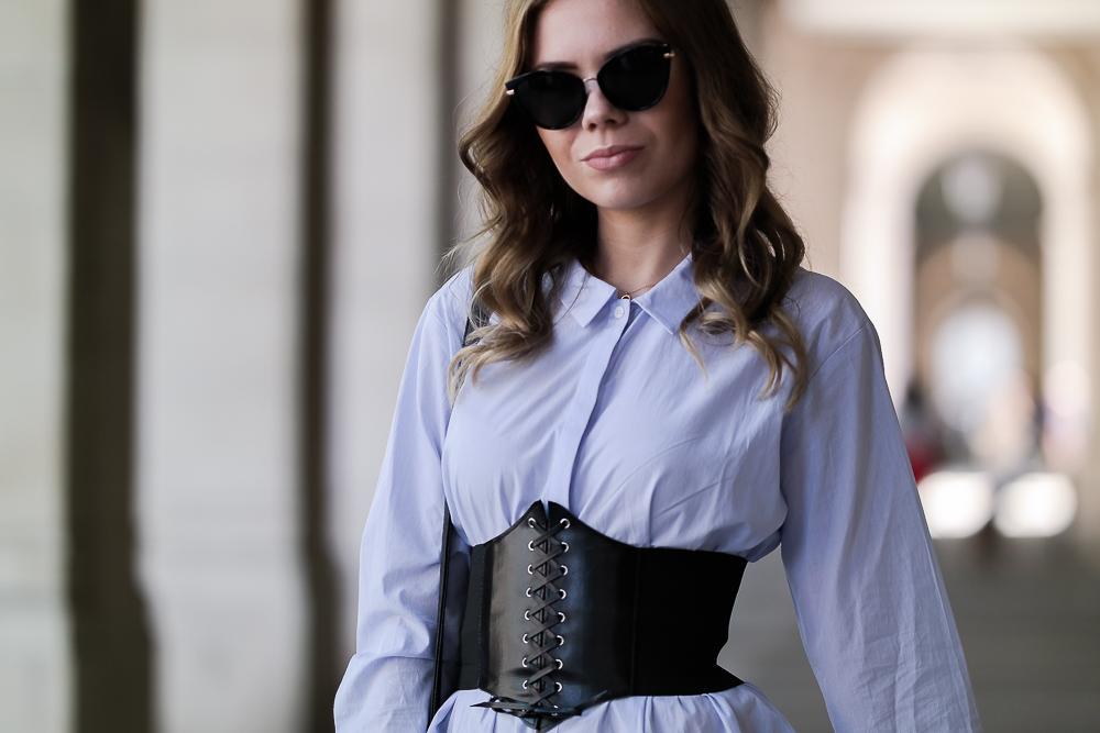 Fashionblog München-Barcelona Look-Detailbild-breiter-Taillengürtel-schwarz-Sonnenbrille