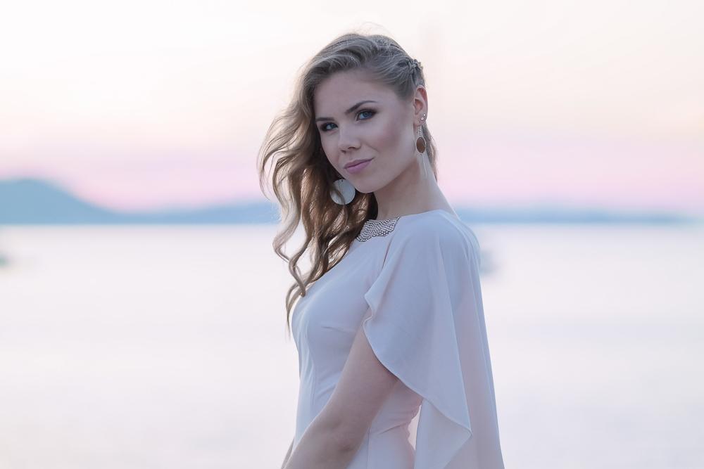 Abschlussball-Modeblog München-Make-up-Haare-Kleid-mit-Rüschen-in-puderrosa
