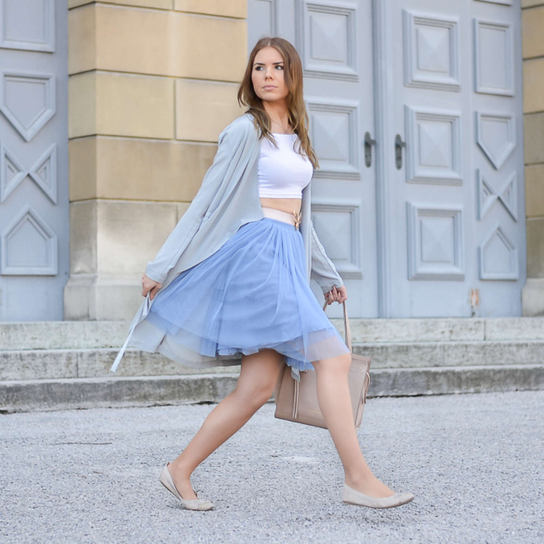 Ballerina Look mit blauem Tüllrock + Gedanken zum Thema Kindheit