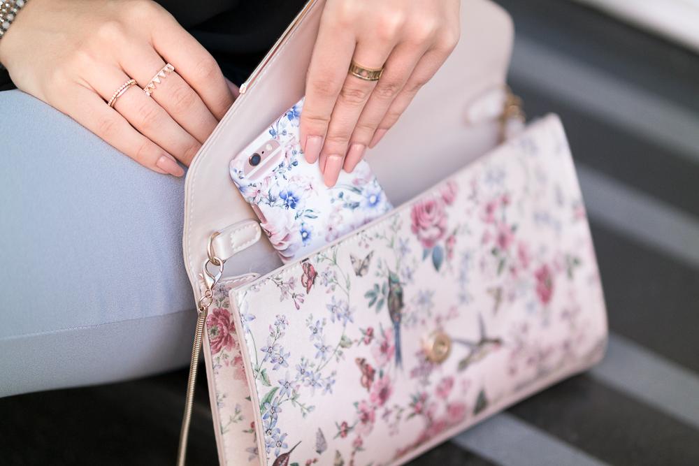 Modeblog München-Blumen Print Tasche und Iphone Case