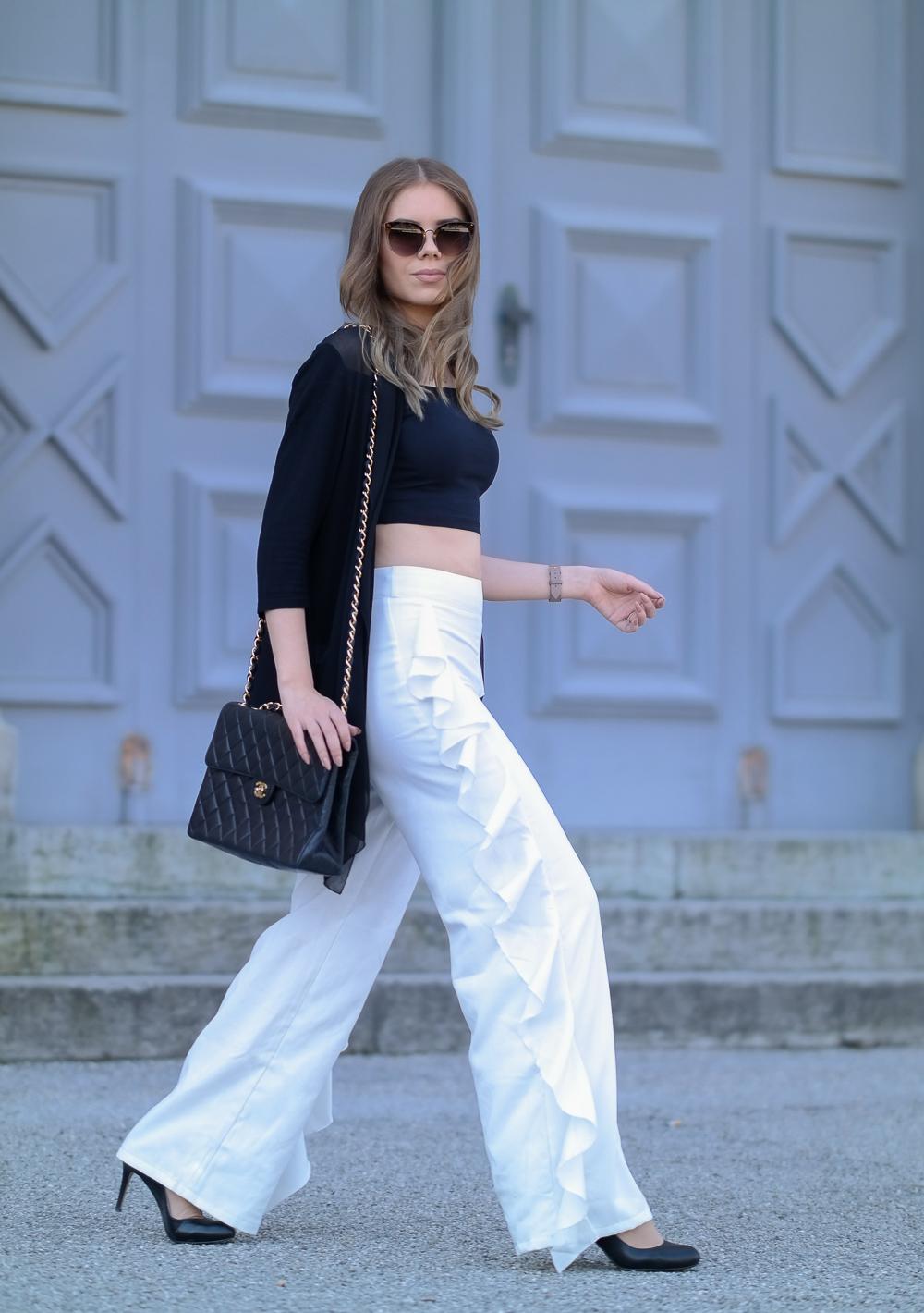 High Fashion Look-Volant Hose-Chanel Bag-Crop Top