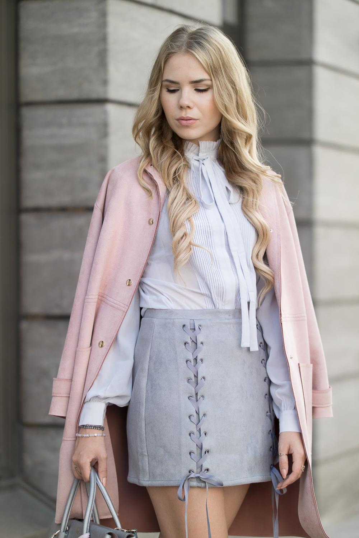Herbst Outfit mit Schnürrock-grauer Rock mit Schnüren