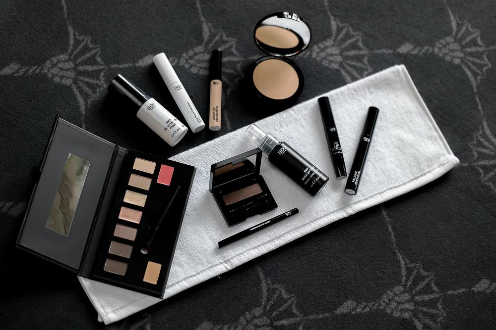 Schminke-Kosmetik-Nee MAKE UP MILANO-Lidschatten Palette-Primer-Wimperntusche-Maskara-Augenbrauen Puder-Concealer-Fixing Spray-Lippenstift-Puder Make-up