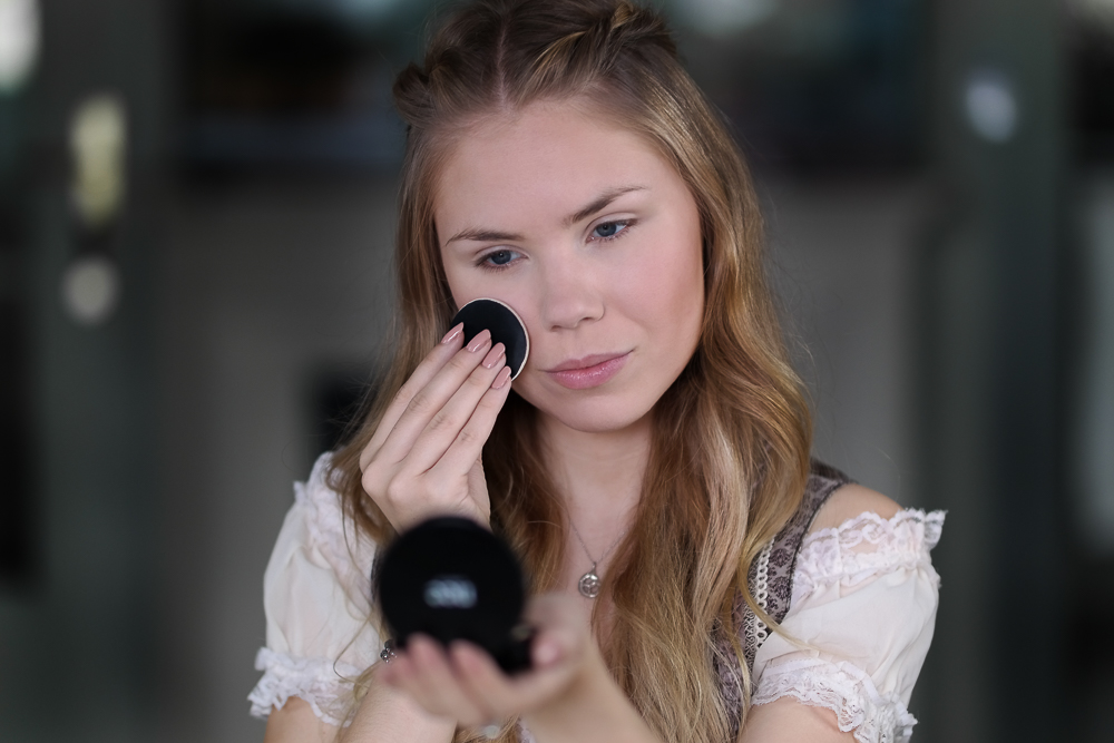 Foundation-Puder Make-up-Nee MAKE UP MILANO-Wiesn Look