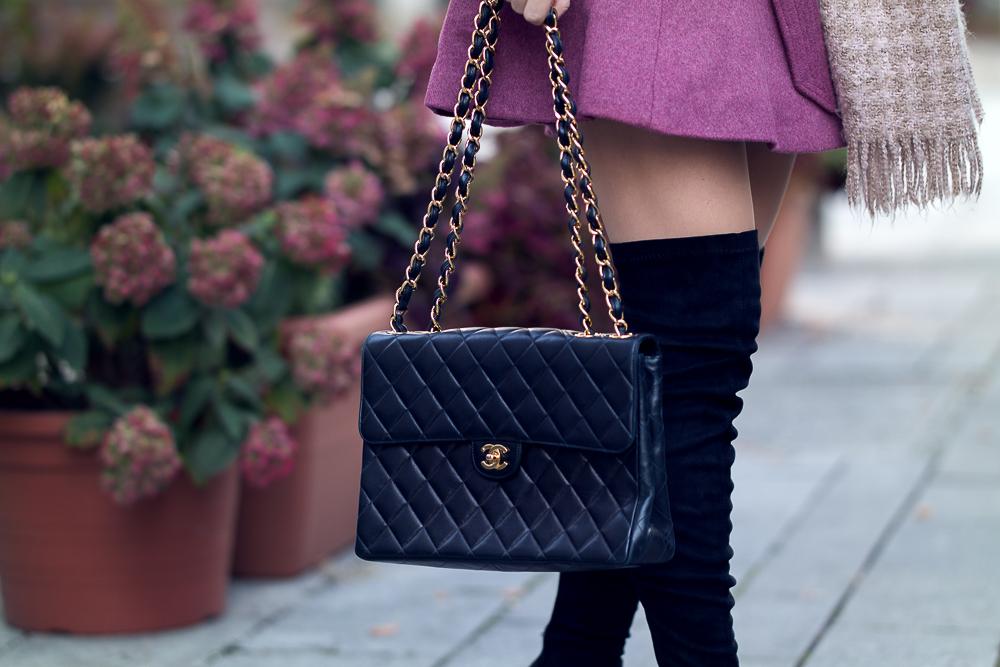 Modeblog München-Designer Second Hand Shopping-Vintage Chanel Tasche-Catchys-Chanel Double Flap Bag-Overknee Stiefel-Detailfoto