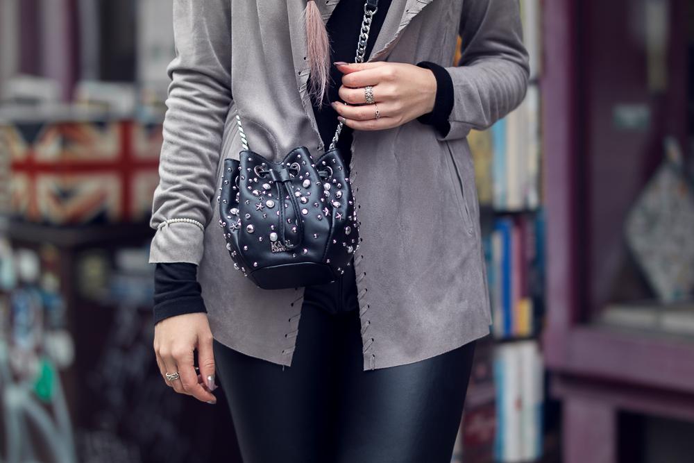 Karl Lagerfeld Tasche-Detailfoto-Nietentasche