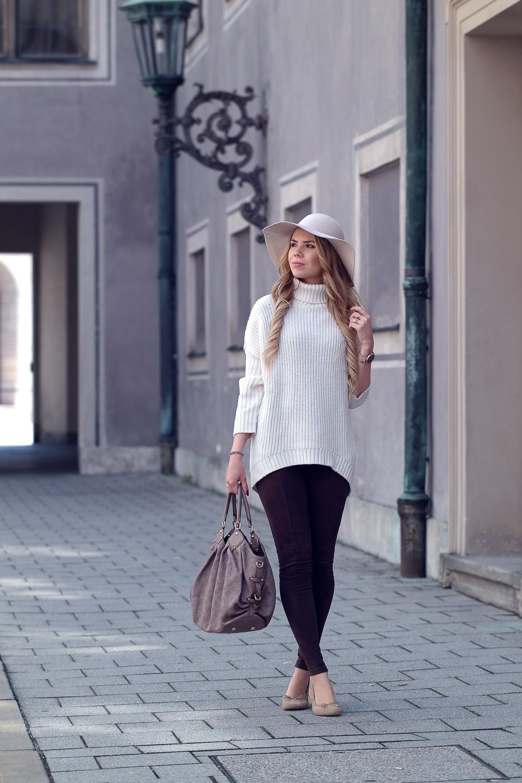 Modeblog München-Oversized Pullover mit Hut-Velourleder Leggings-Ballerina-Louis Vuitton Tasche