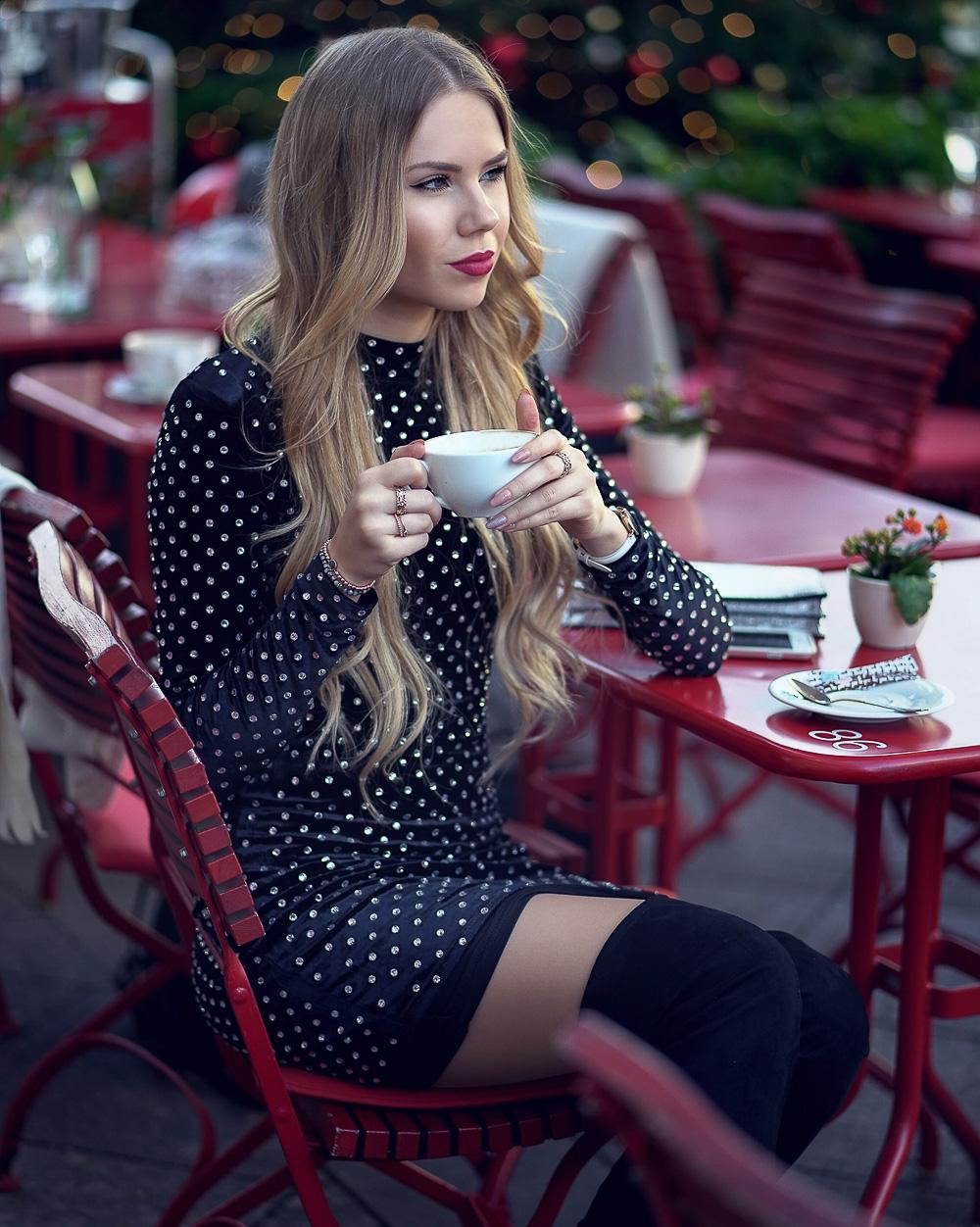 Fashionblog-Glitzerkleid-mit-Overknees