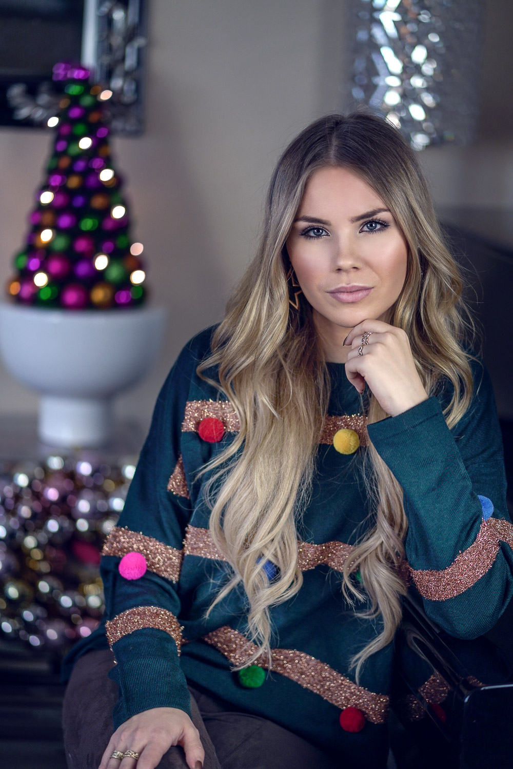 Weihnachtspullover-Tannenbaum-grün-PomPoms-Weihnachten-Ugly Christmas Sweater Trend-Pullover
