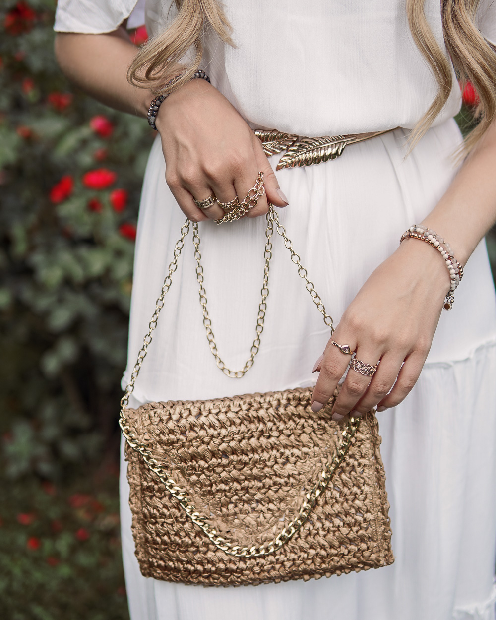 Clutch goldene Details Stroh Material