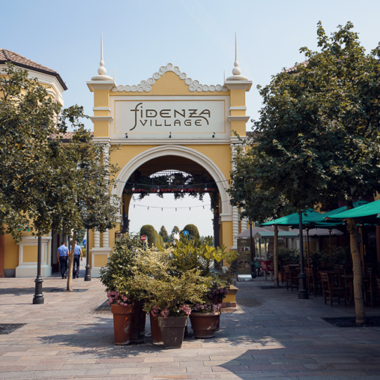 Fidenza Village bei Mailand — Bella Italia Shopping Destination