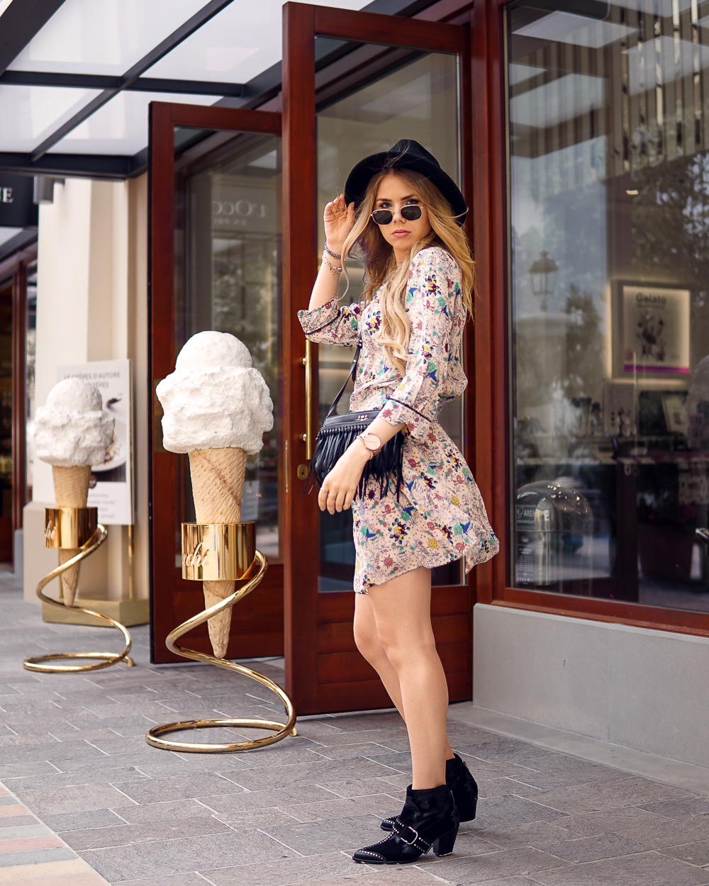 Blogger Deutschland-Holiday Look von zadigetvoltaire-Fidenza Village