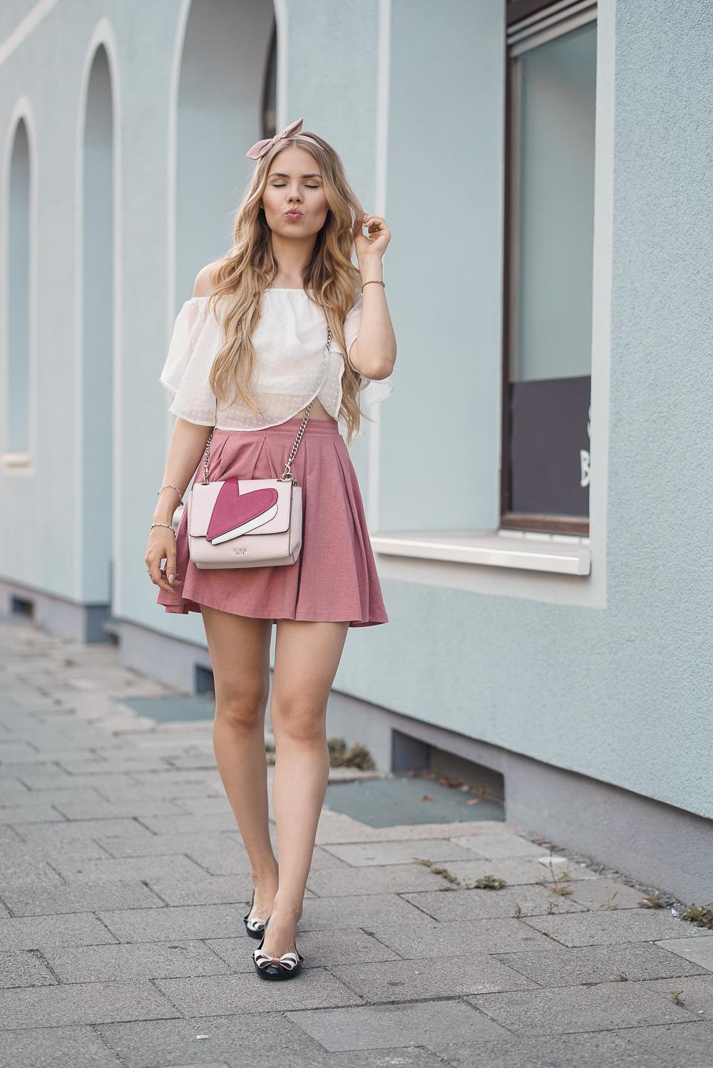 Modebloggerin München-Rose girly Look - rosa Rock, weißes oberteil
