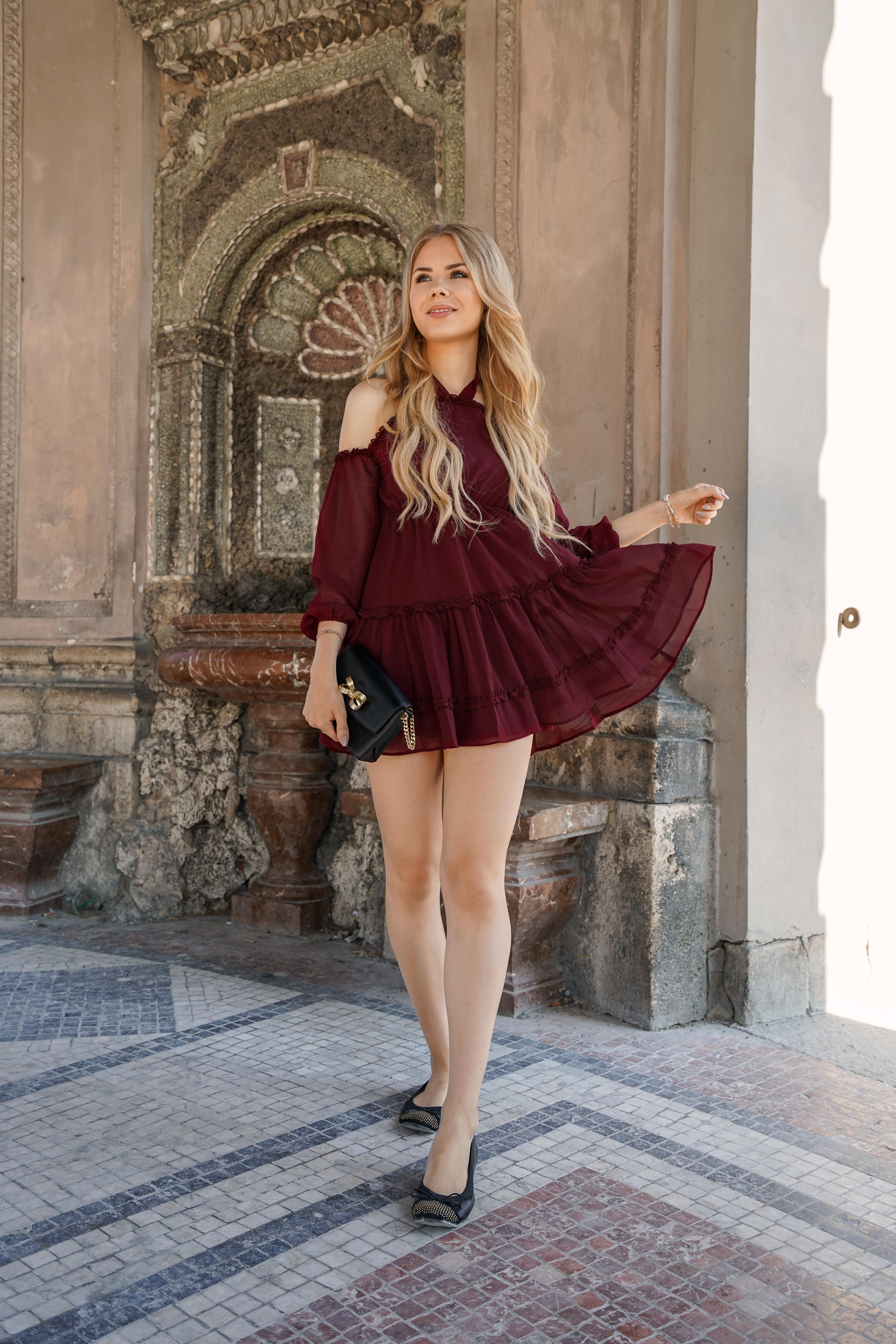 Sommer Outfit-Rotes mini Kleid von Nakd