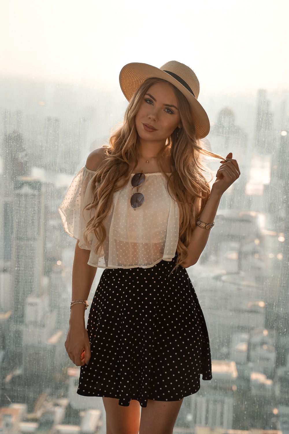 Mädchenhaftes Sommeroutfit-Crop Top-Rock